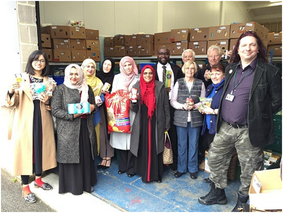 Colchester Muslims Donate Half a Ton Food to Foodbank