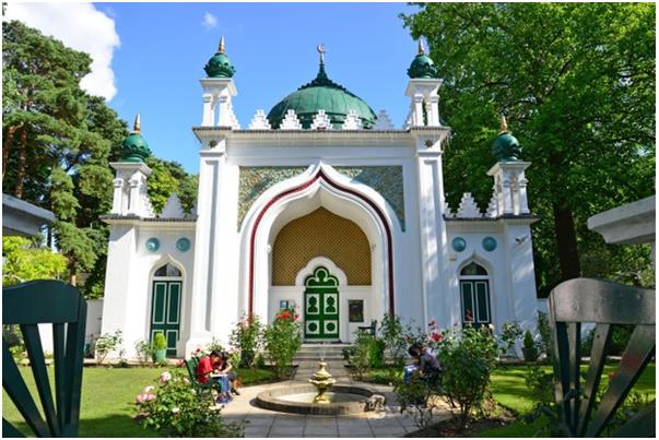 Muslim worship in Britain