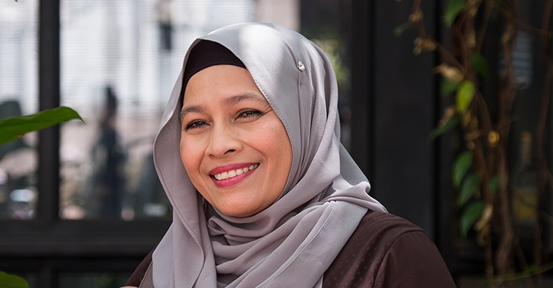 Read how your Zakat is helping single-mums like Zafira keep a roof over their heads